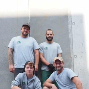 Die Mitarbeiter der Firma Jung Garten- und Landschaftsbau